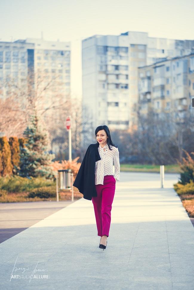 kameliya anastasova fashion blogger pink outfit with polka dots