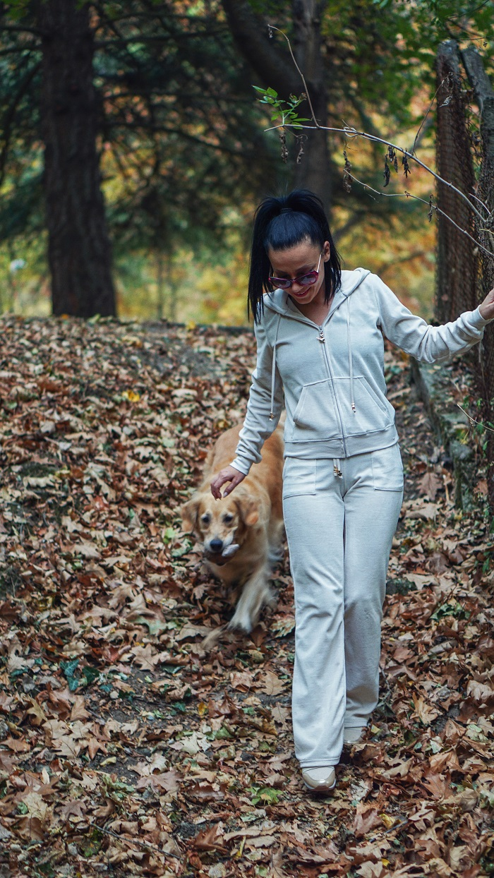 golden retriver kameliya anastasova blogger
