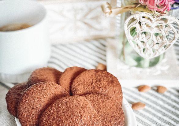 шоколадови бисквити